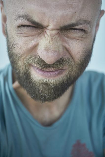Почему чешется борода?